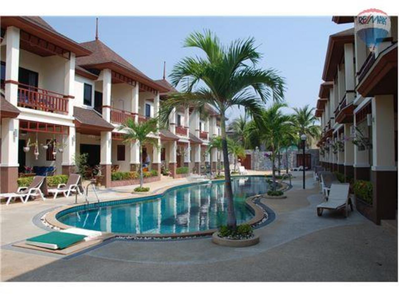 RE/MAX Beach Town Agency's Townhouse in Thai Paradise South, Cha-Am 2