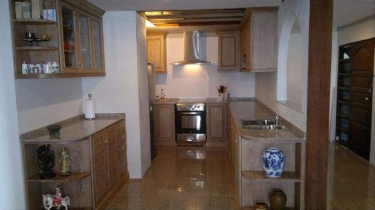 You Estate Agency's sale 120 sq.m 2 bed Supalai Place sukhumvit 39  5