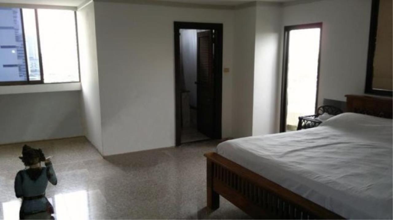 You Estate Agency's sale 120 sq.m 2 bed Supalai Place sukhumvit 39  7