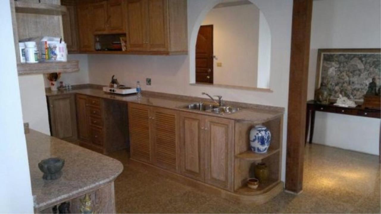 You Estate Agency's sale 120 sq.m 2 bed Supalai Place sukhumvit 39  2
