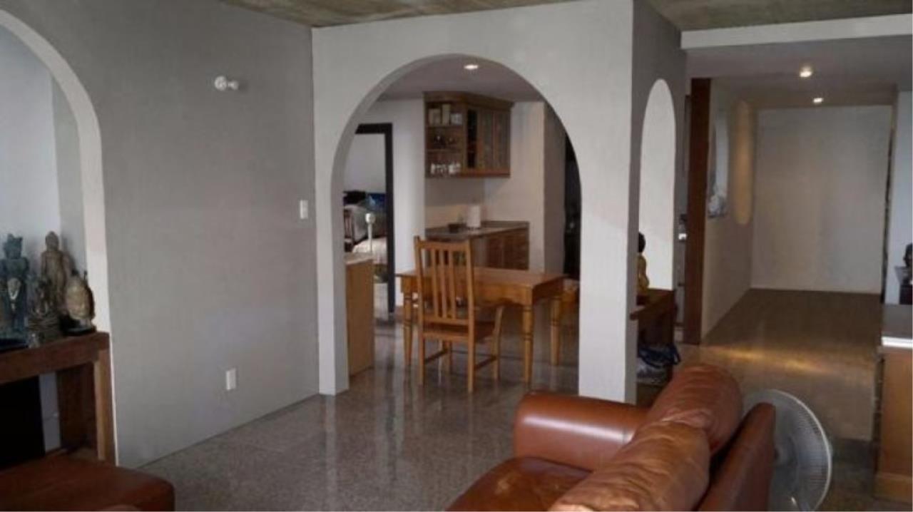 You Estate Agency's sale 120 sq.m 2 bed Supalai Place sukhumvit 39  1