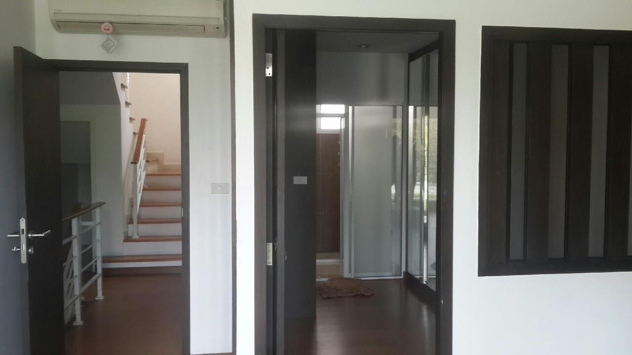 You Estate Agency's sale 20 sq.w 3bed BAAN KLANG MUANG SATHORN TAKSIN 2 6
