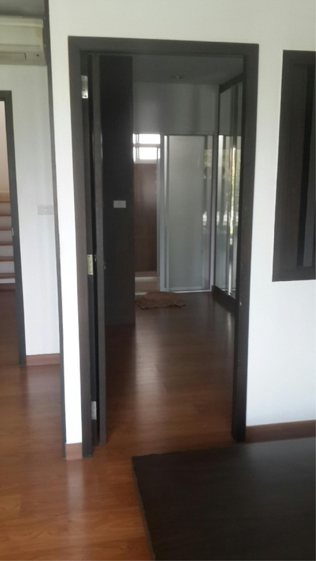 You Estate Agency's sale 20 sq.w 3bed BAAN KLANG MUANG SATHORN TAKSIN 2 4