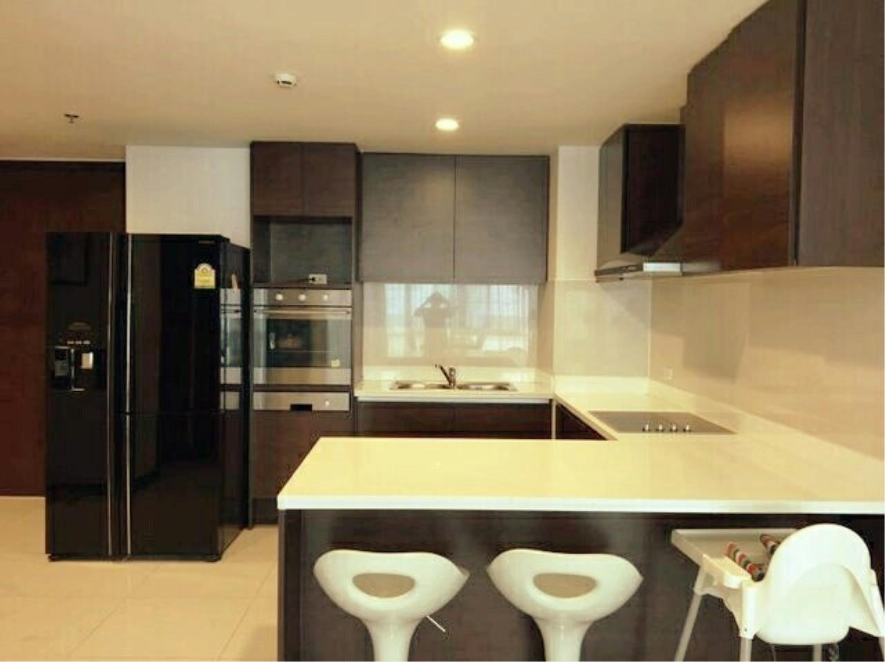 You Estate Agency's sale 112 sq.m 2 bed BAAN RATCHADAMRI 1