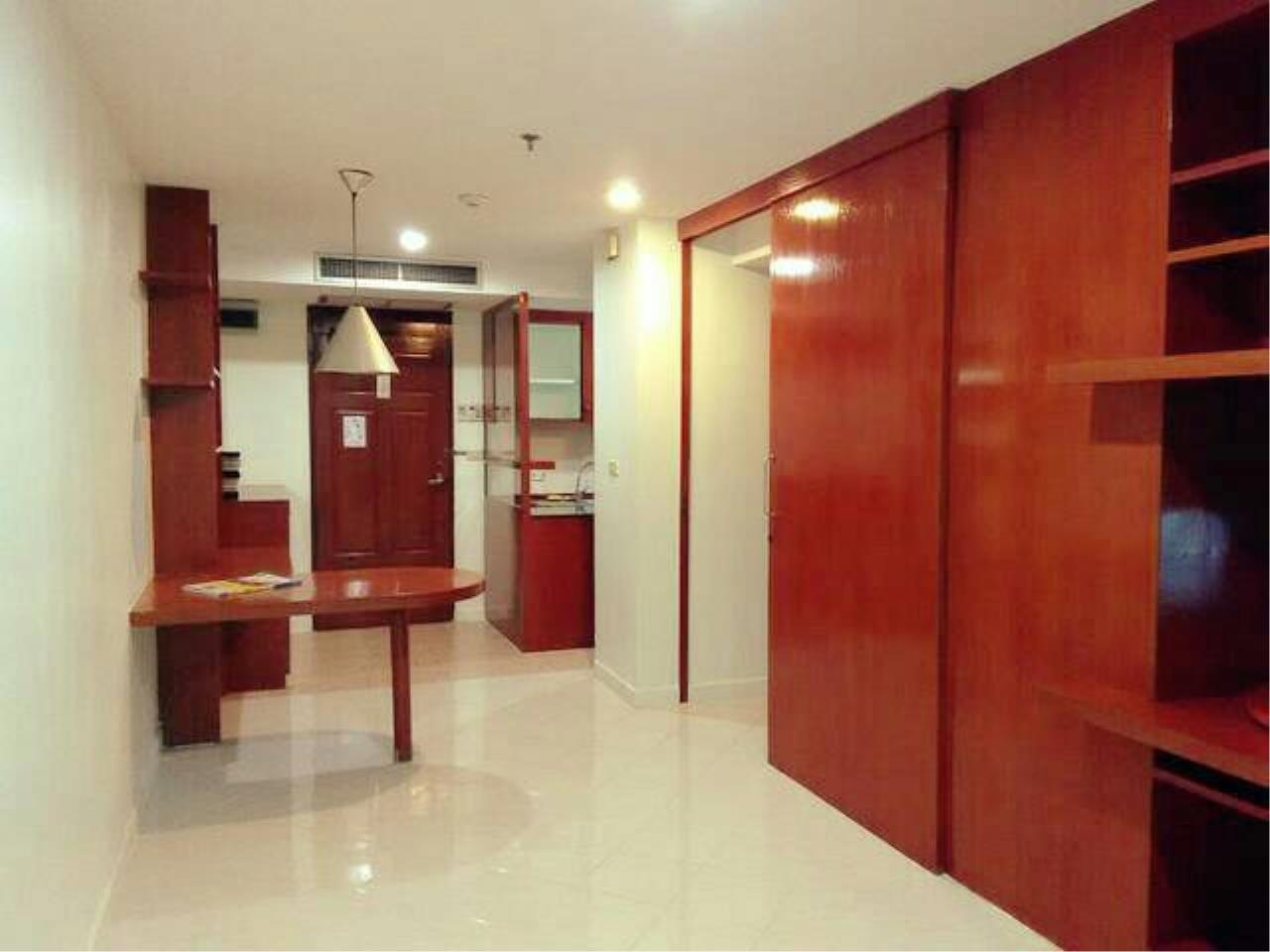 You Estate Agency's sale 50 sq.m 1 bed Noble House Phaya Thai BTS 3