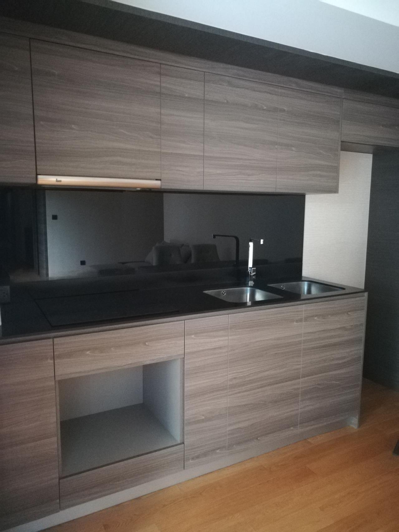 Professional One Service Agency's 2 bedroom condo for rent in Klass Langsuan 2