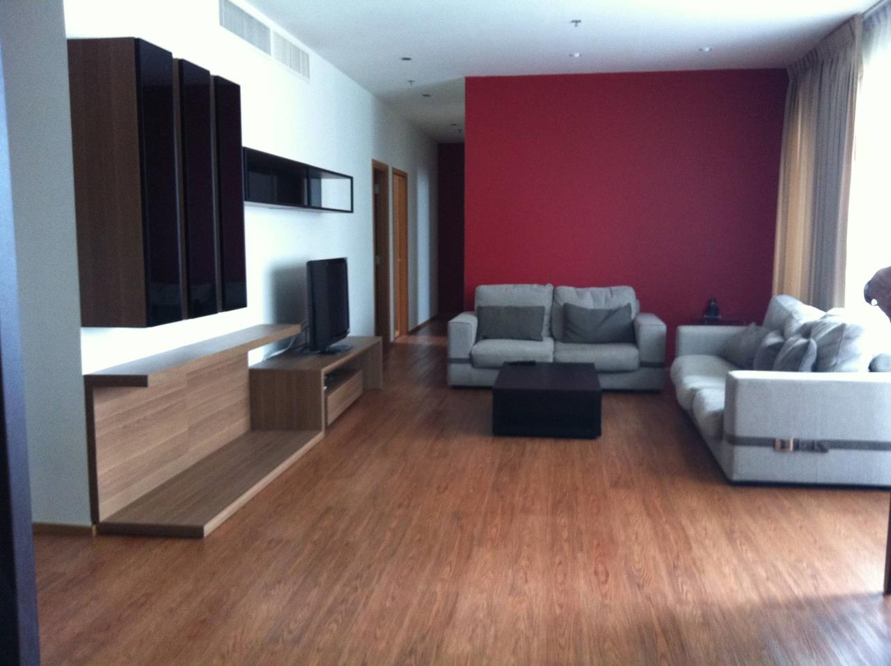 Professional One Service Agency's 3 bedroom at The Emporio Place BTS Phrompong 2