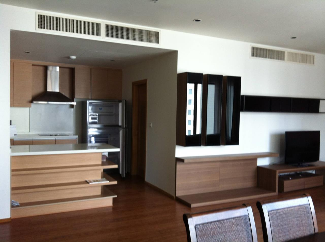 Professional One Service Agency's 3 bedroom at The Emporio Place BTS Phrompong 3