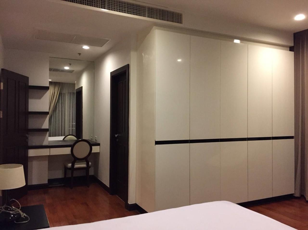 Professional One Service Agency's 2 bedroom condo Sukhumvit 11 4