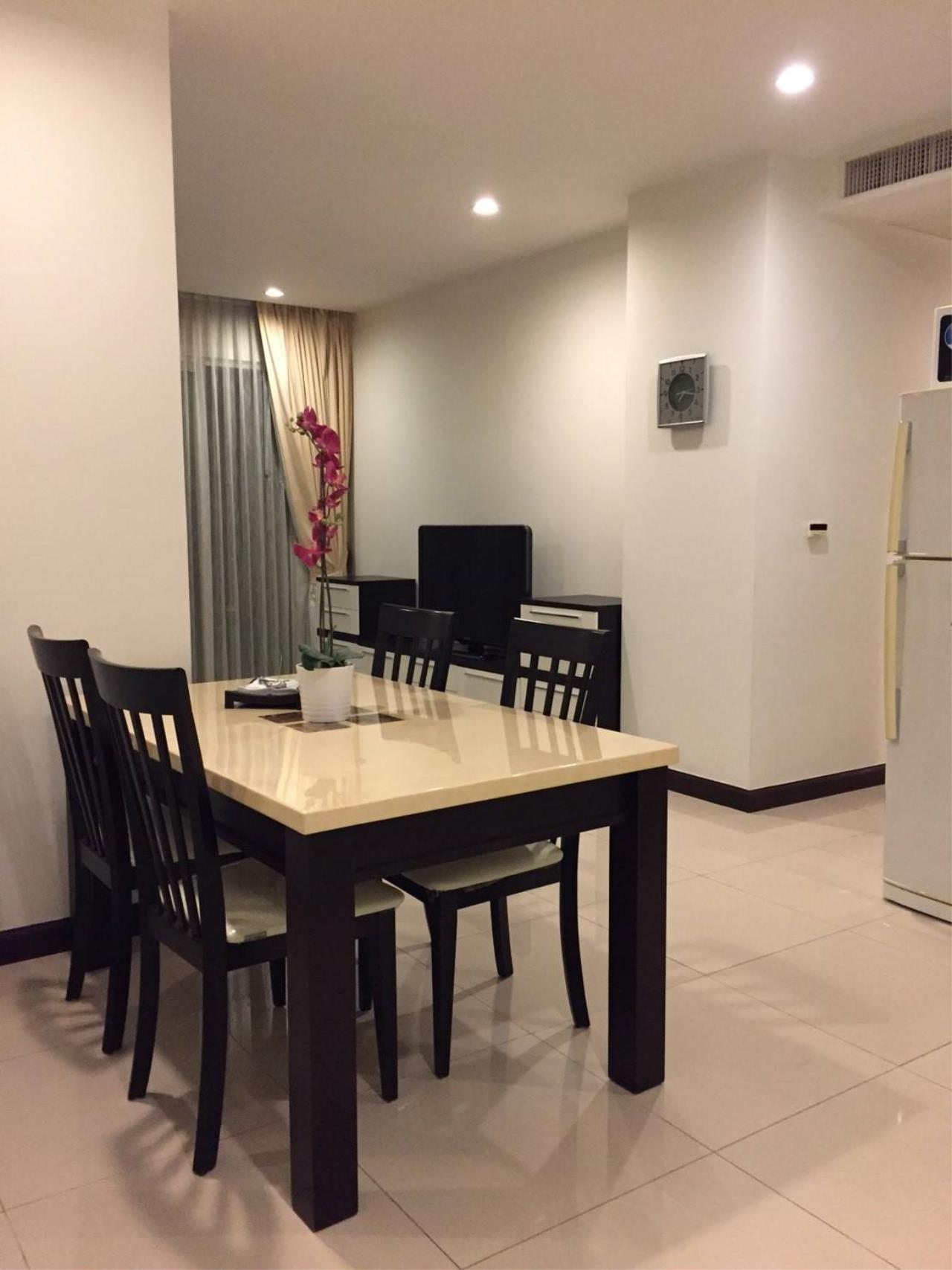 Professional One Service Agency's 2 bedroom condo Sukhumvit 11 2
