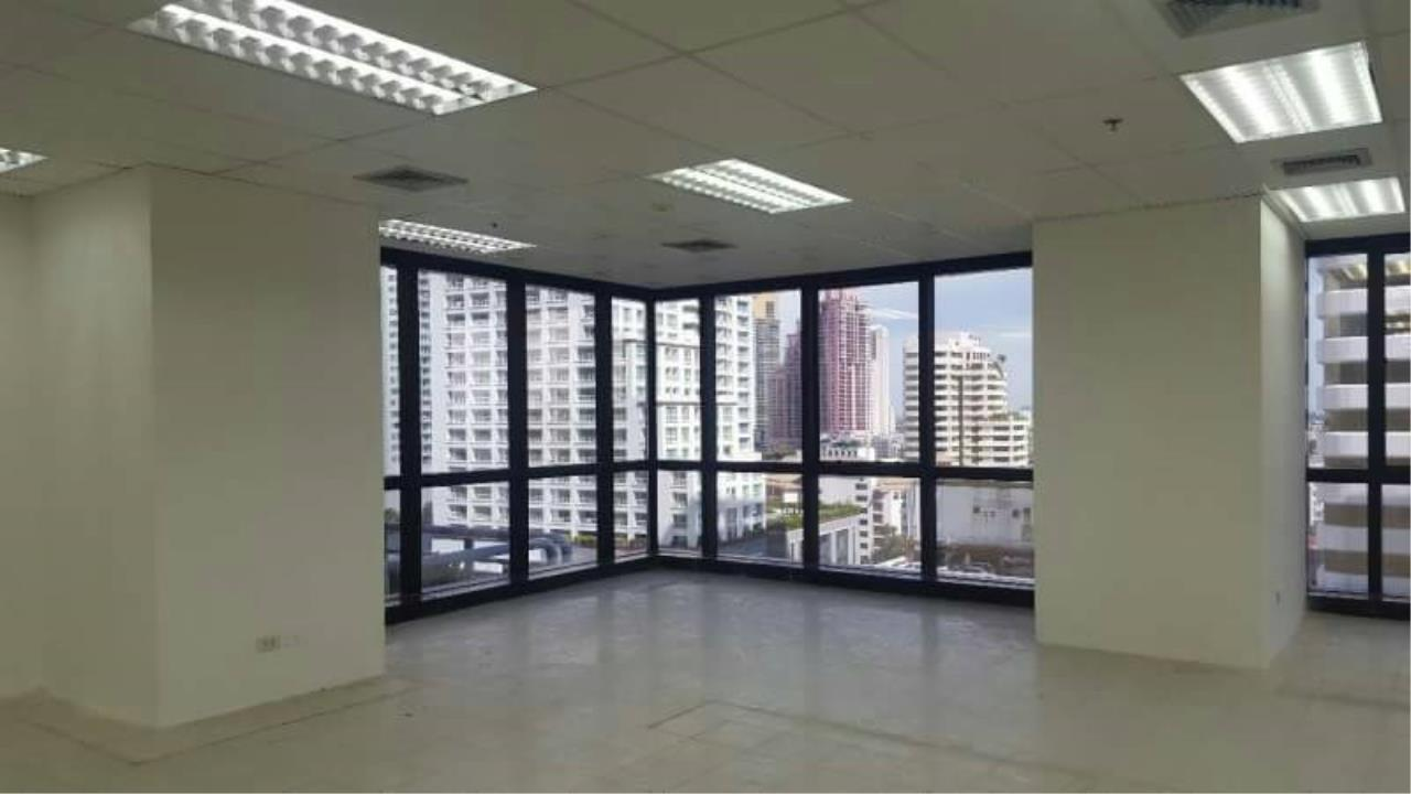 Professional One Service Agency's Office Space for rent 275 sq.m near Asoke BTS 2