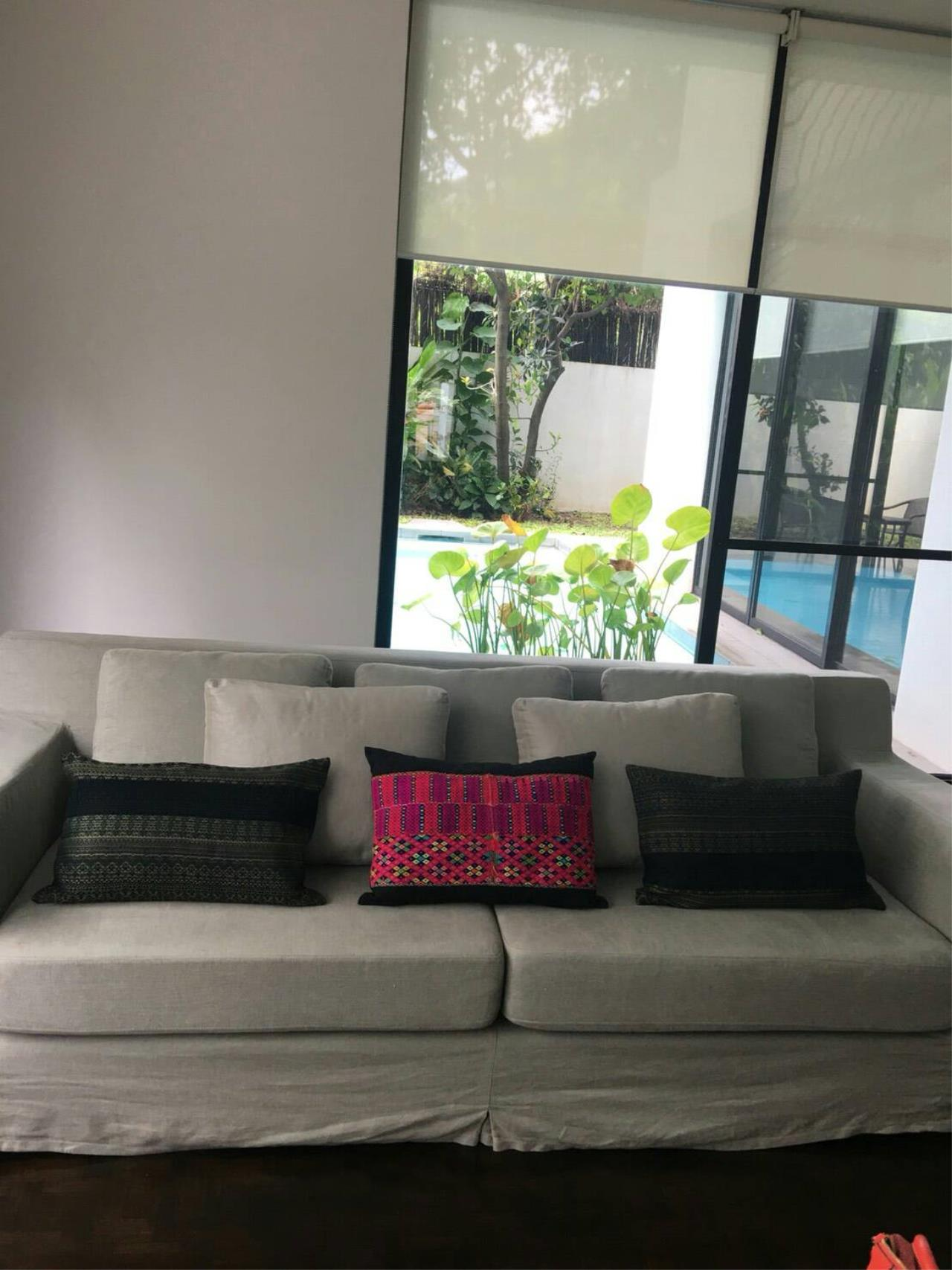 Professional One Service Agency's House with pool near BTS Thonglo  1