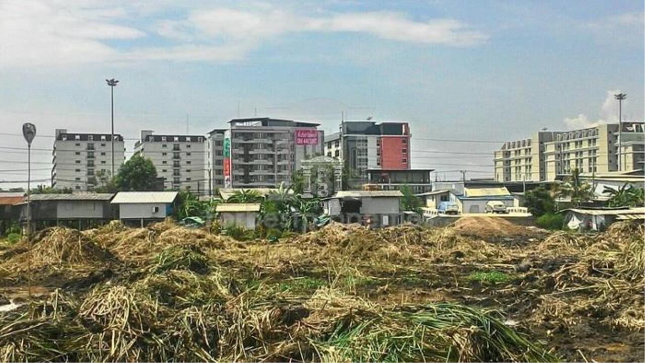 36190-Land for sale, on Phaholyothin rd., 13 rai 117 sq.wa.
