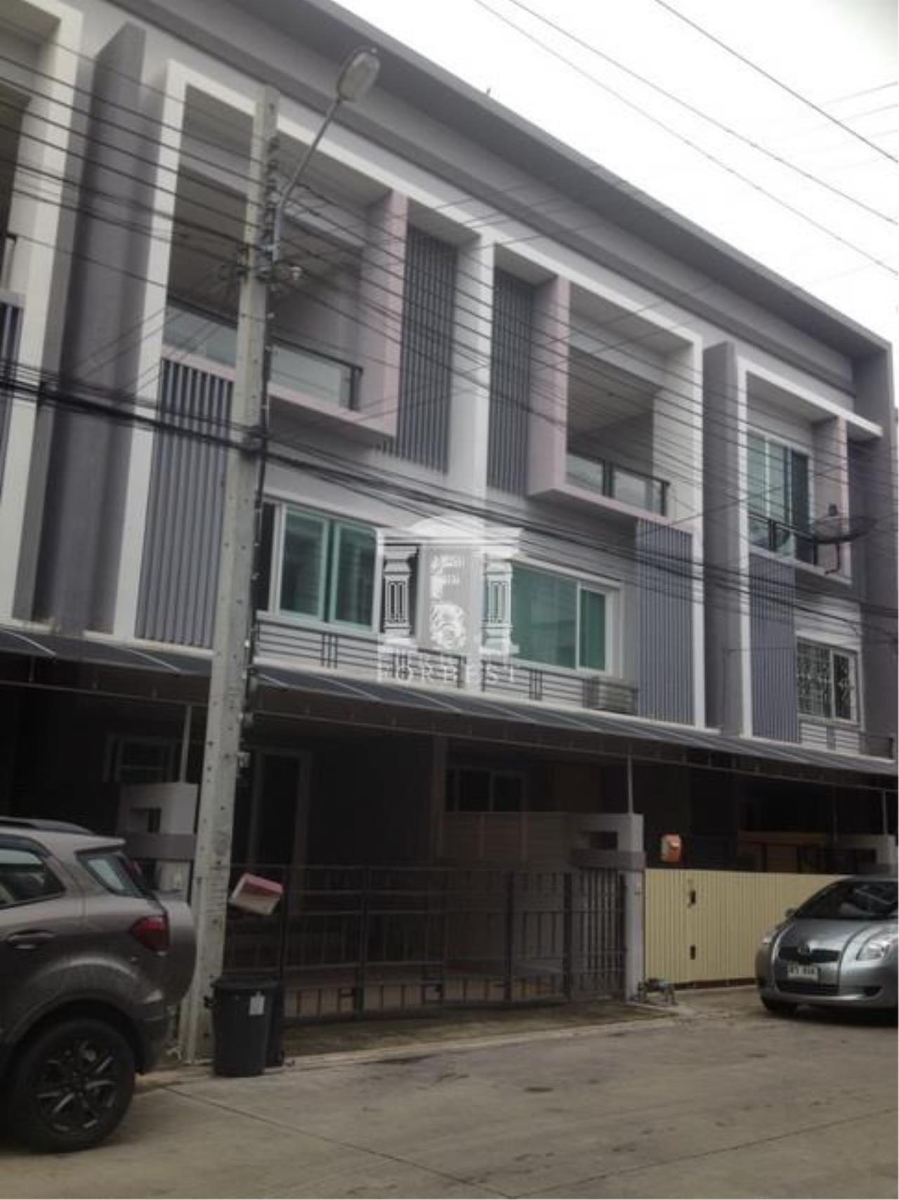 Forbest Properties Agency's 37240 - Townhome for sale (The Exclusive Pattanakarn 44), 21.40 sq.wa. 3