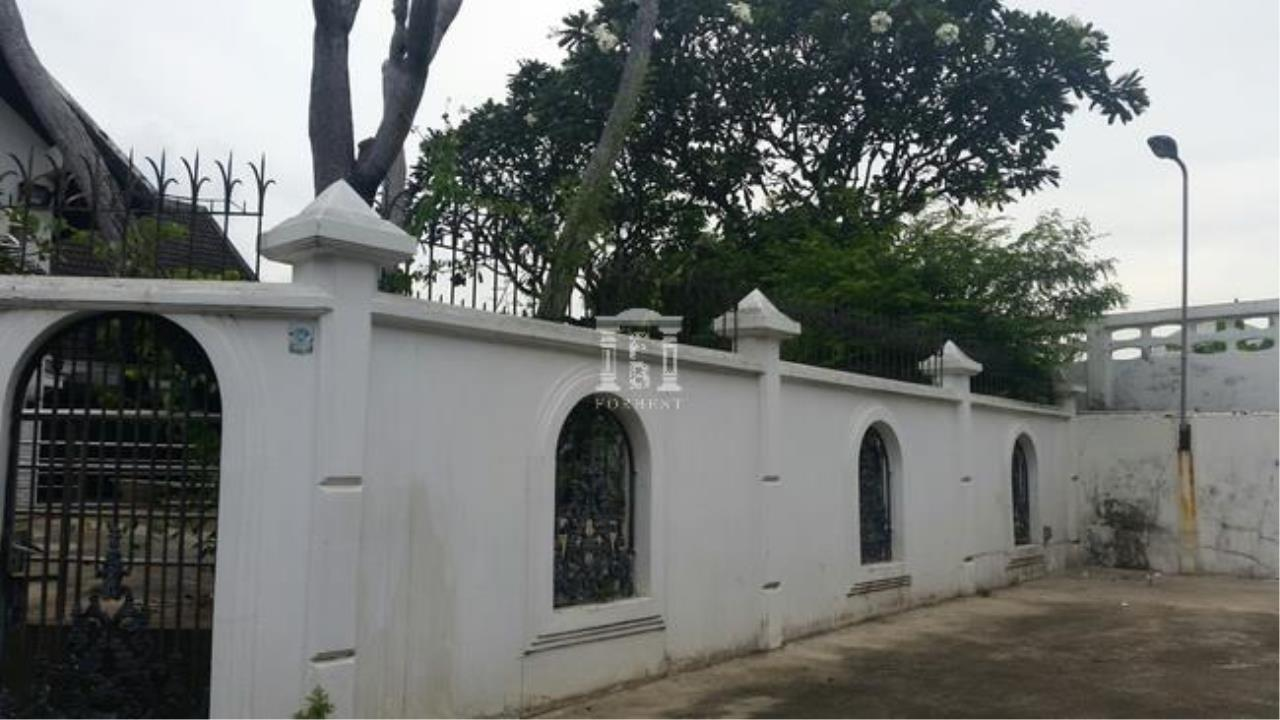 Forbest Properties Agency's 37572 - Detached House Tiwanon Road, 130 sq.w. 4