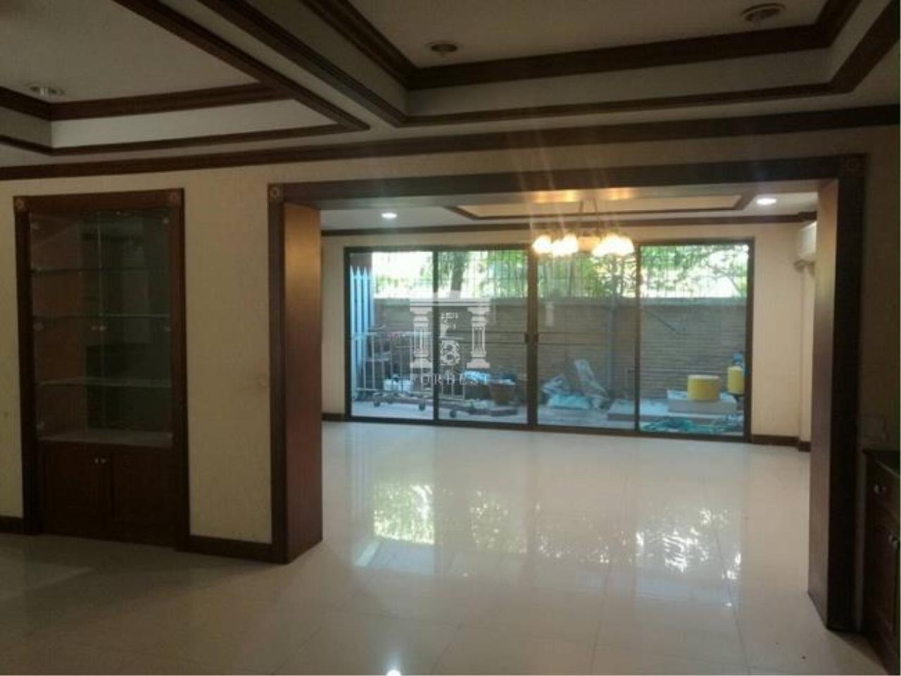 37074-Townhouse for rent, on Sukhumvit 49 rd., 60 sq.wa.