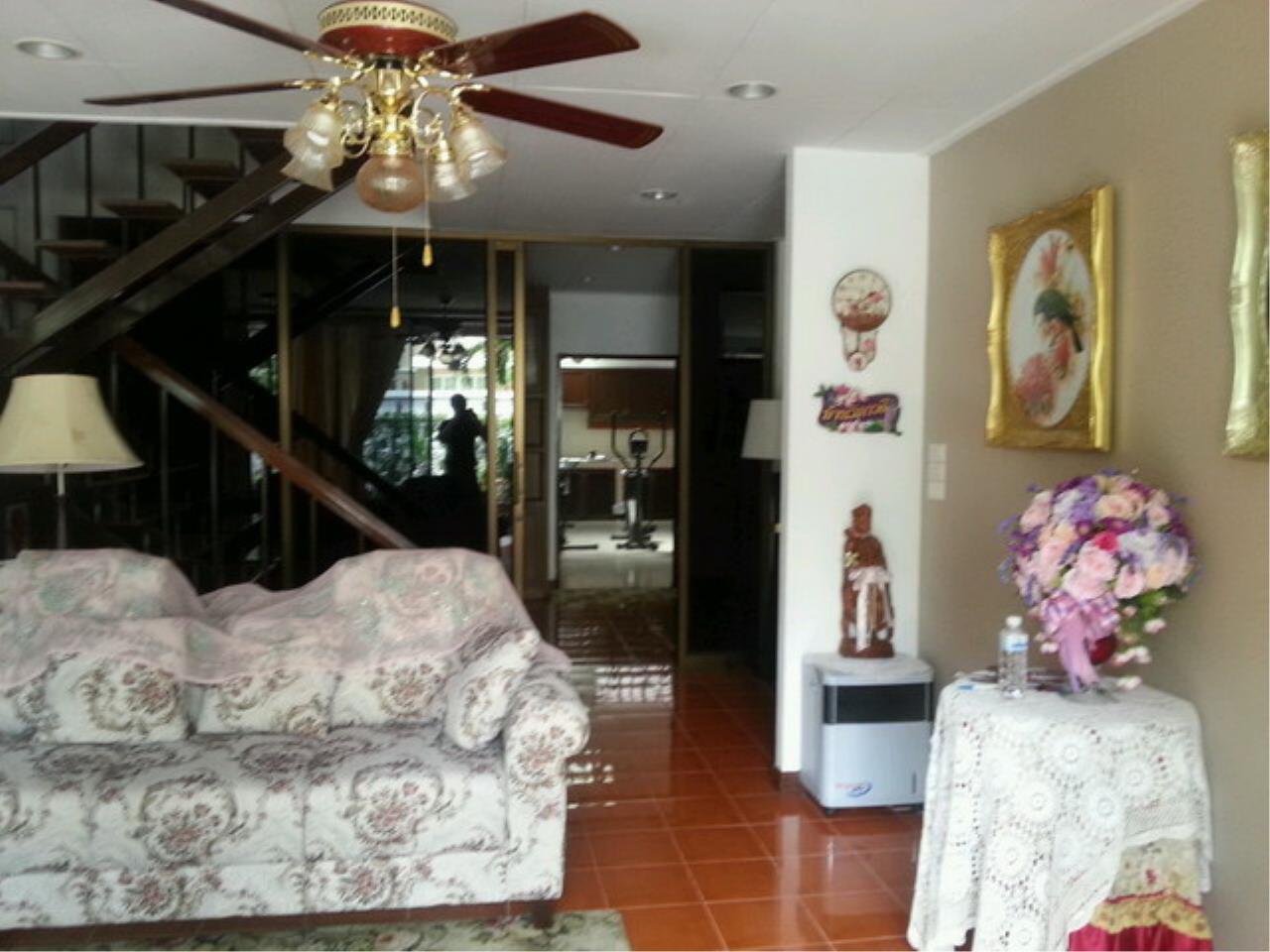 33676-Single house for sale, on Vipawadee road, 75 sq.wa.