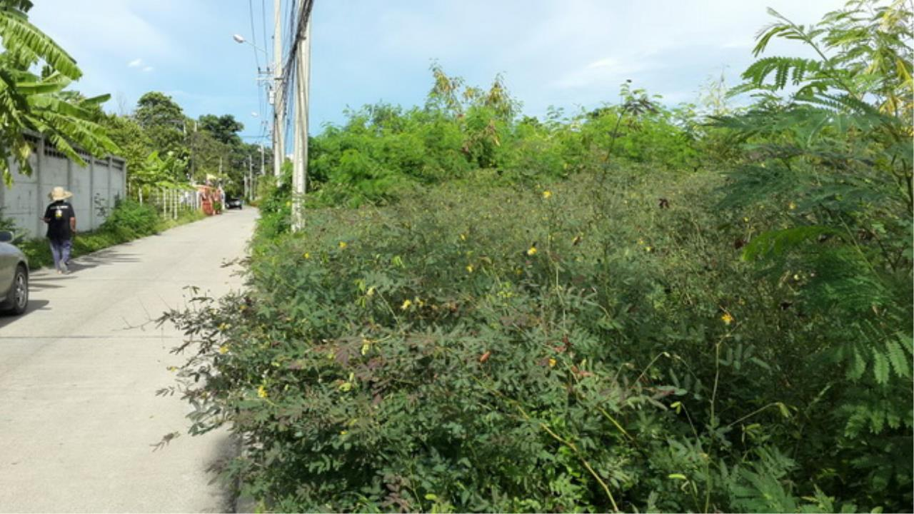 Forbest Properties Agency's 37623-Land for sale, on Praditmanutham road, 1 rai 1