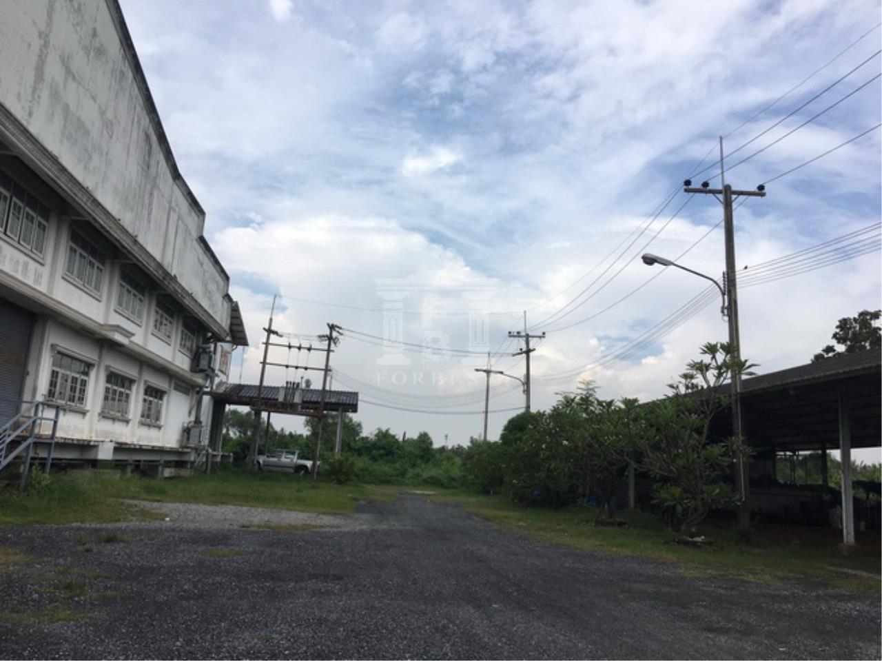 Forbest Properties Agency's 37652-Land for sale ,in Prasamutjaedee, 128 rai 110 sq.wa. 4