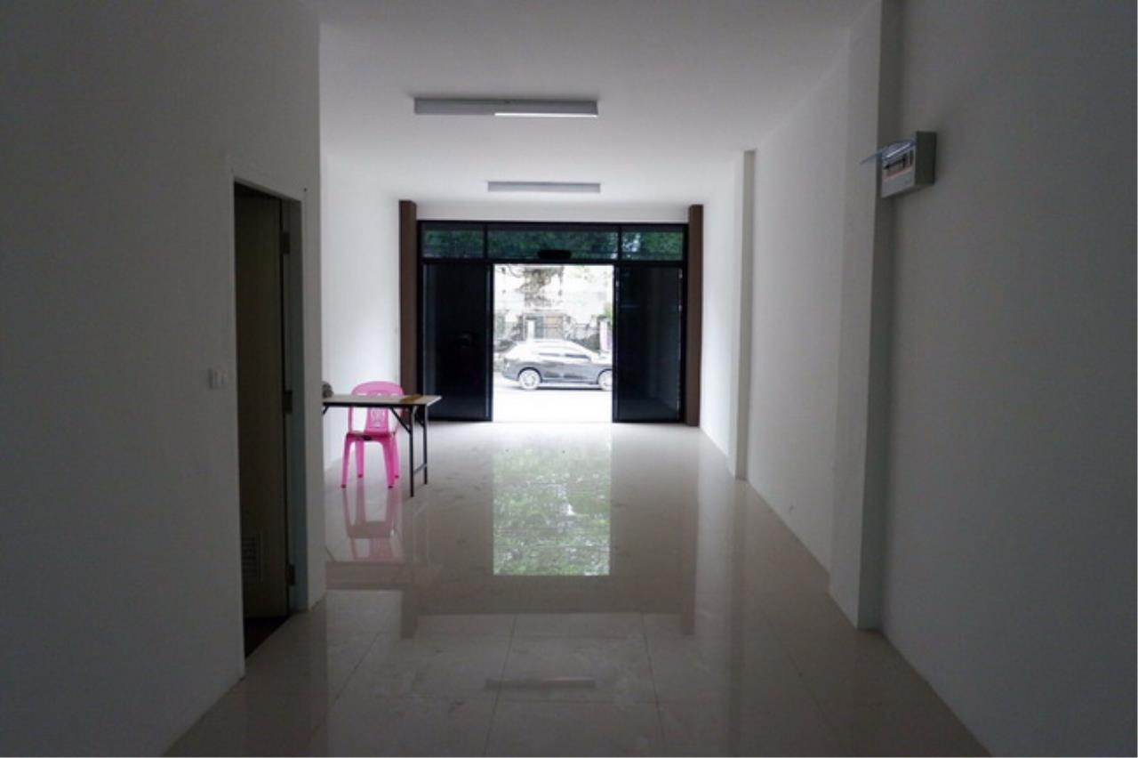 Forbest Properties Agency's 37726-Townhome for sale, on Rama 2 road, 24 sq.wa. 2