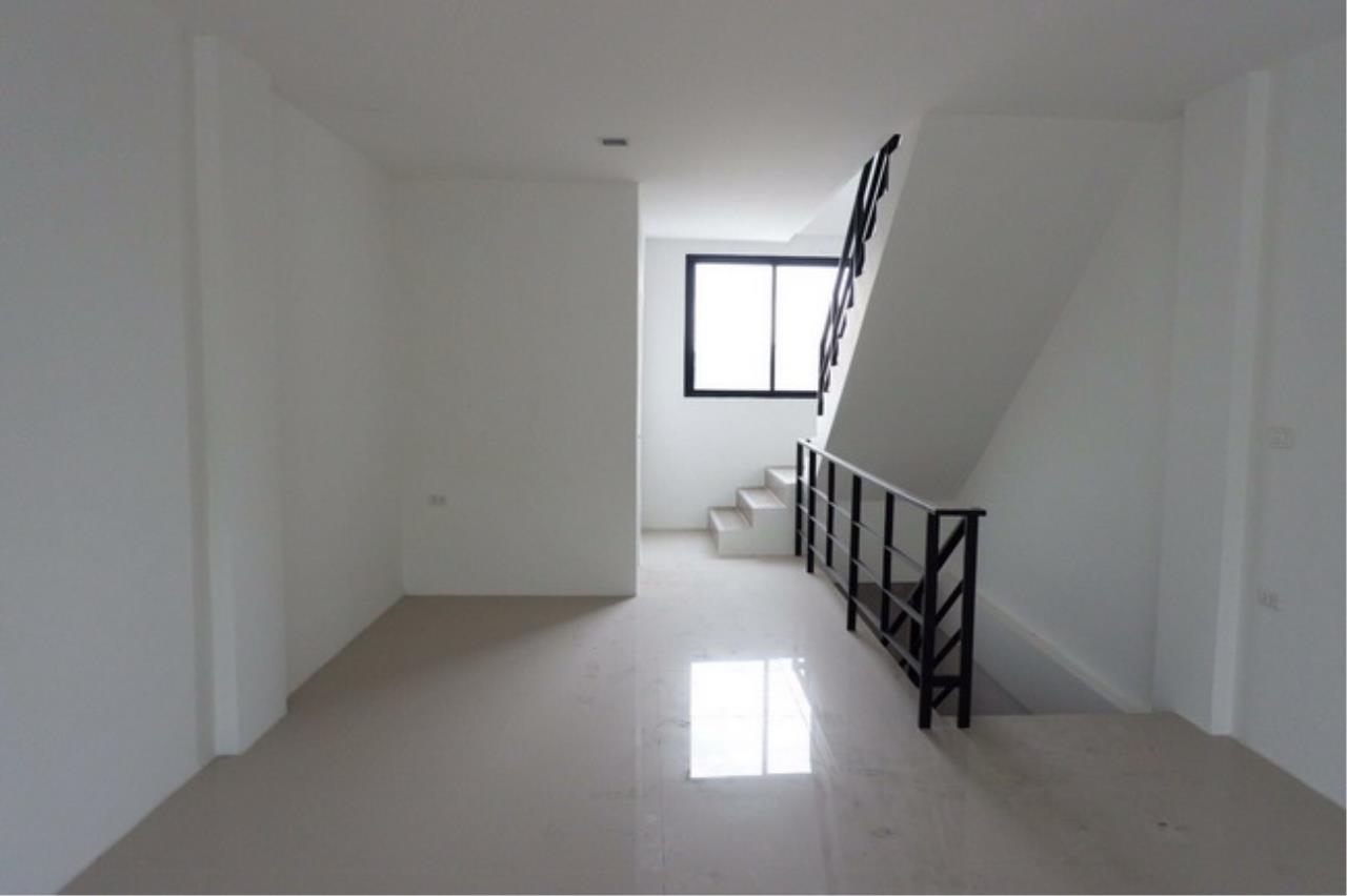 Forbest Properties Agency's 37726-Townhome for sale, on Rama 2 road, 24 sq.wa. 4