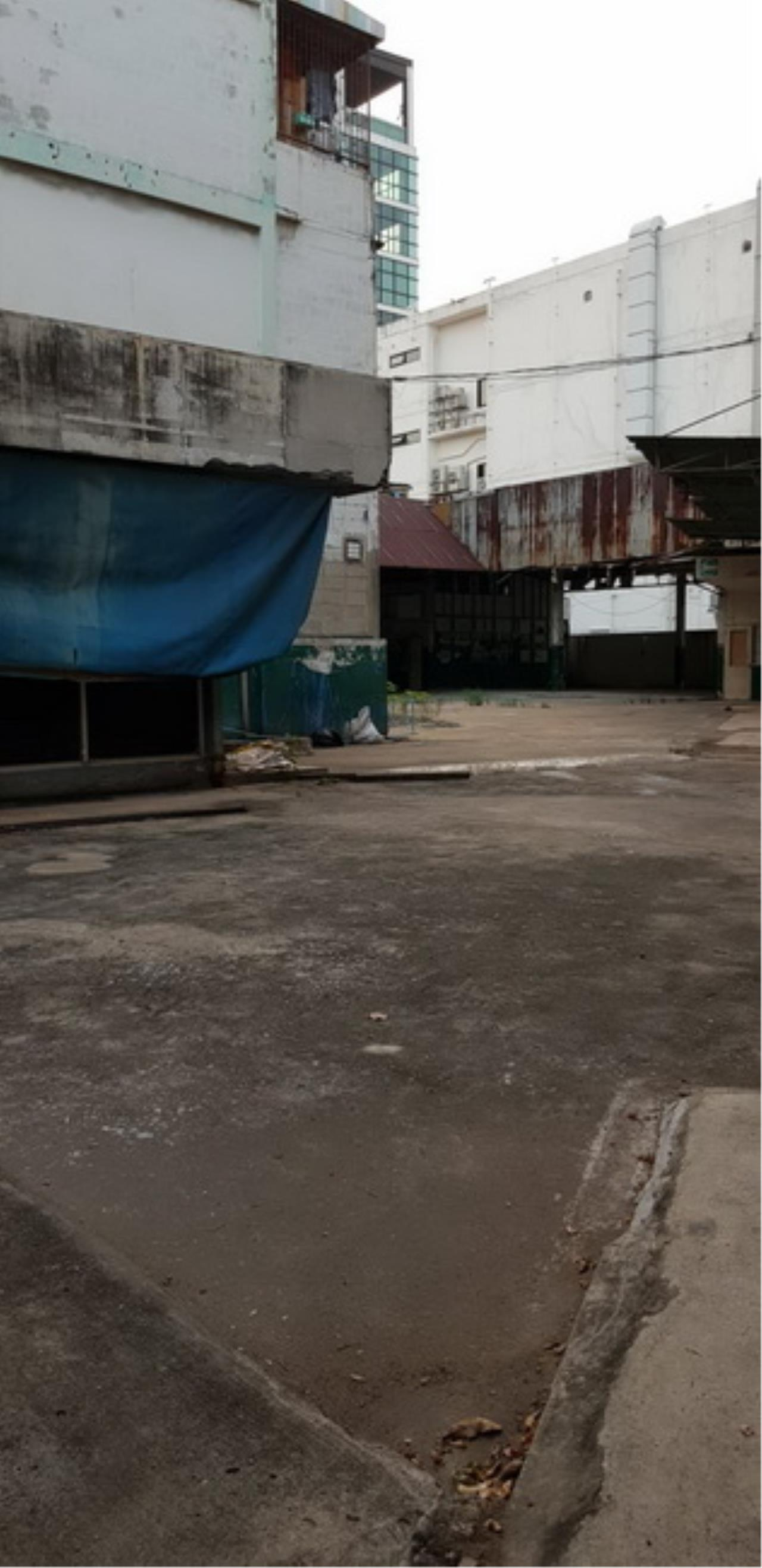 Forbest Properties Agency's 37790-Office building 4.5-storey for sale, on Chan road, 270 sq.wa. 1