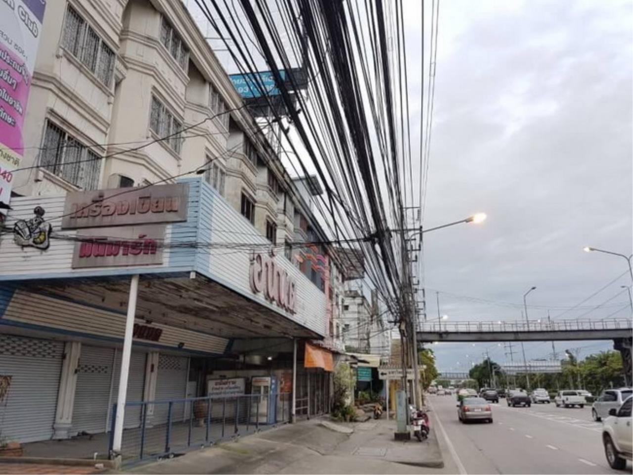 Forbest Properties Agency's 37846-Commercial building 4-storey, on Ramintra km.1, 60 sq.wa. 1