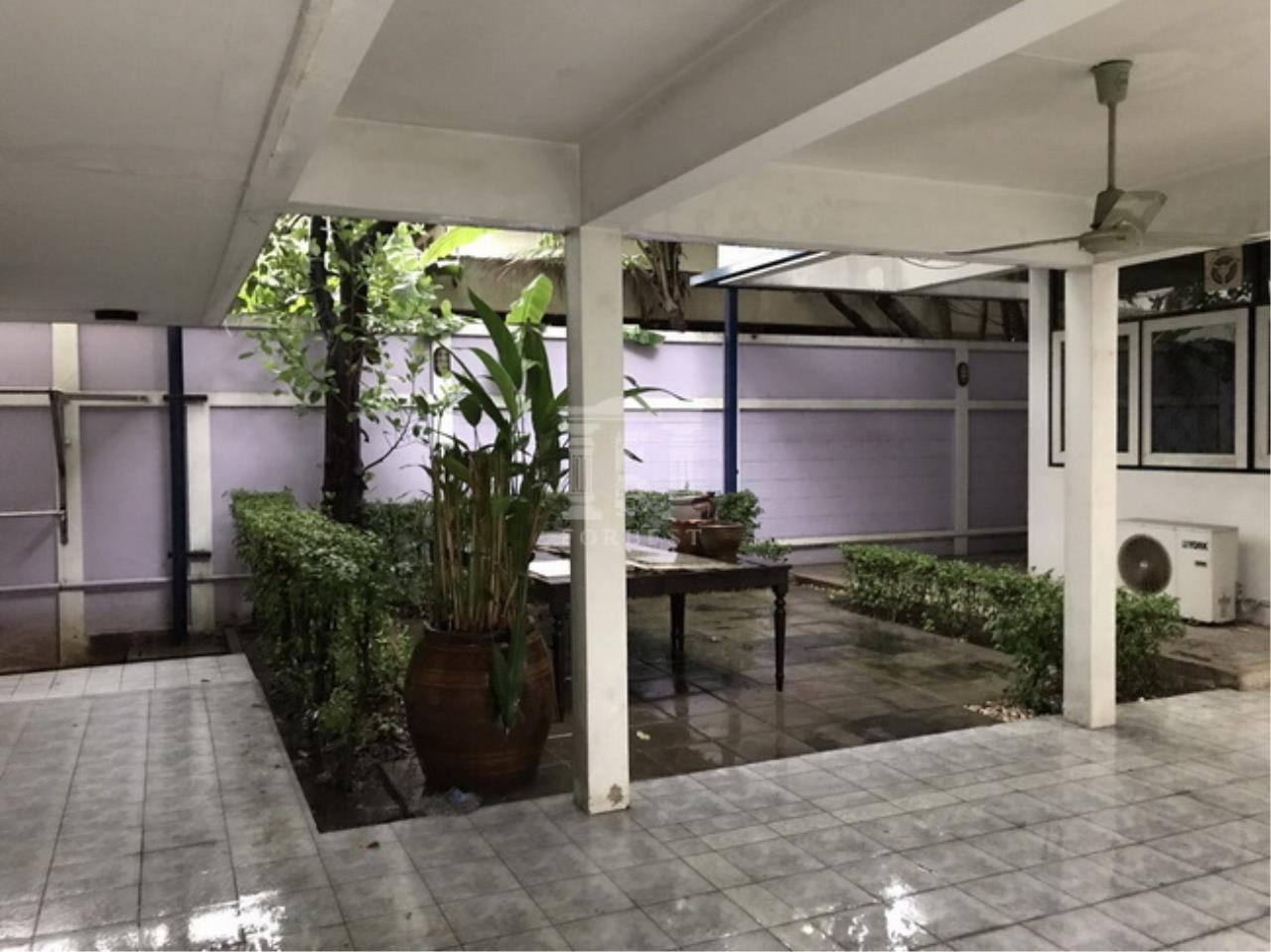 37951 - Single House , Sukhumvit 38 Road. 214 Sq.wah