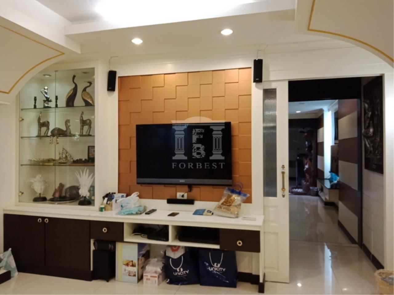 38153-Townhouse for sale, on Ratchada-Thapra road, 46.80 sq.wa.