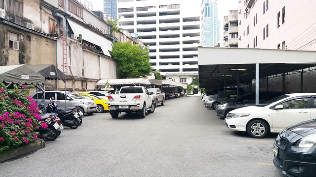 Forbest Properties Agency's 38424 - Official Building On Silom Road. 1 Rai 121 sq.w.  1