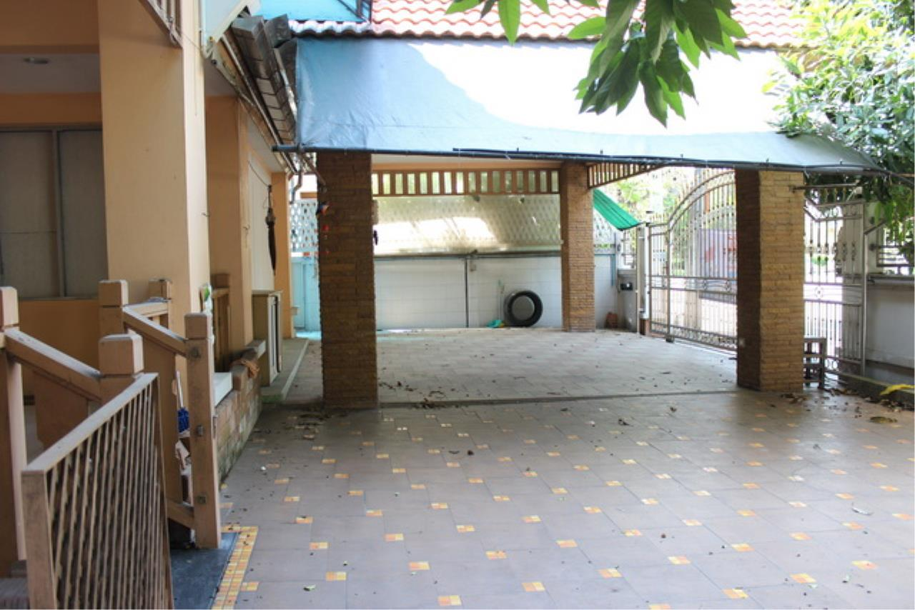 Forbest Properties Agency's 38969 - Single House  for sale on Wararom Phetkasem 81, 85 sq.w. 1