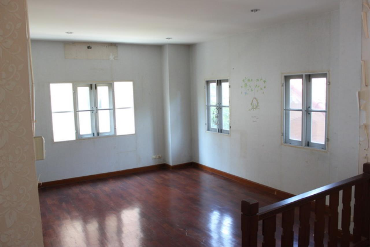 Forbest Properties Agency's 38969 - Single House  for sale on Wararom Phetkasem 81, 85 sq.w. 4