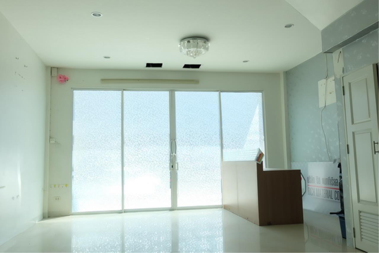 Forbest Properties Agency's 38974 - Townhome RK Park 3 stories Ramintra-Ramkhamhaeng Road, 22 sq.w 5