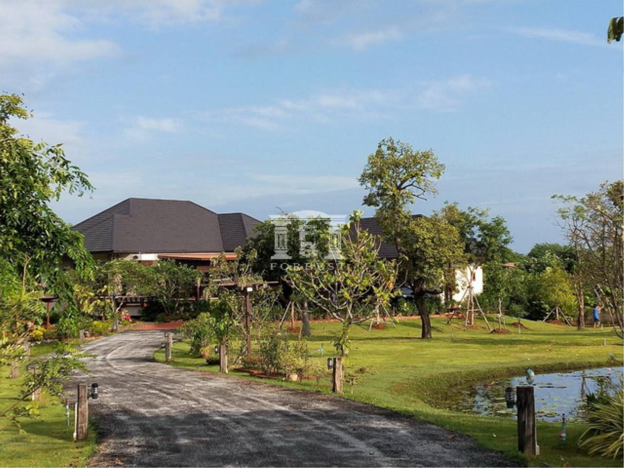 Forbest Properties Agency's 40604 - Land and house for sale in Pak Chong. Soi Charoen Sap, Plot size 4 rai. 1