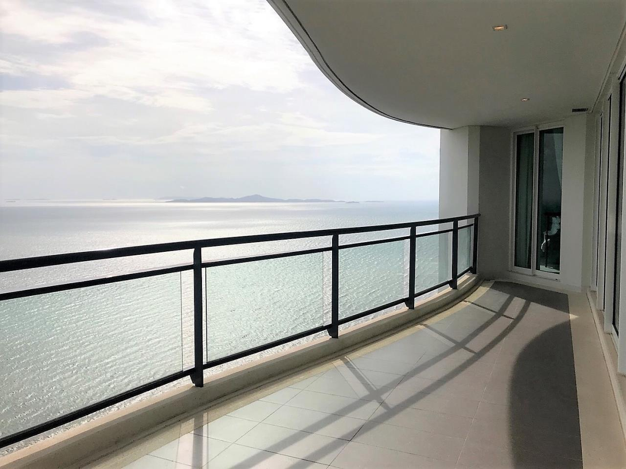 Agent - Pattaya Investment Agency's Reflection Jomtien good deal 3 bedroom hight floor 1