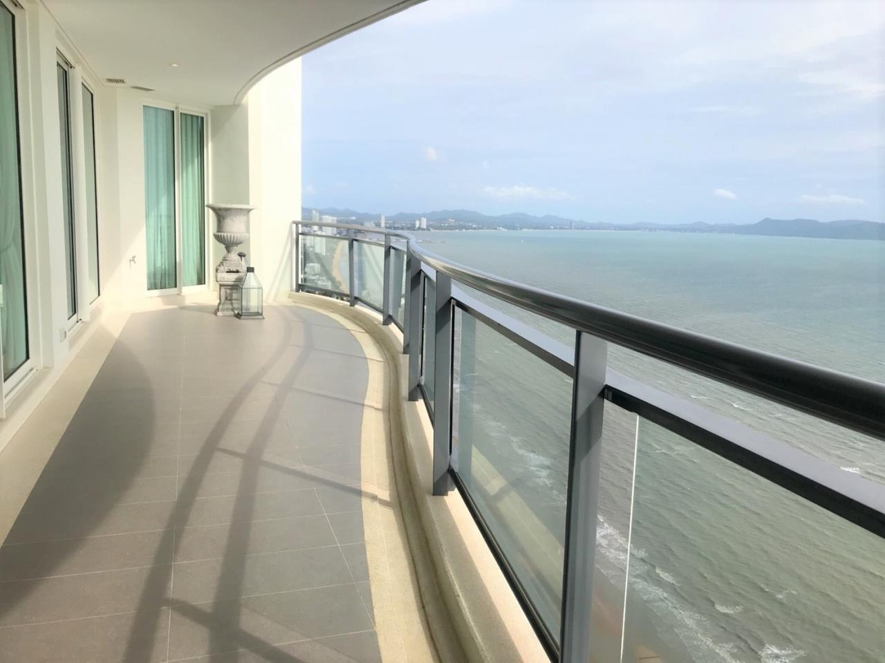 Agent - Pattaya Investment Agency's Reflection Jomtien good deal 3 bedroom hight floor 2