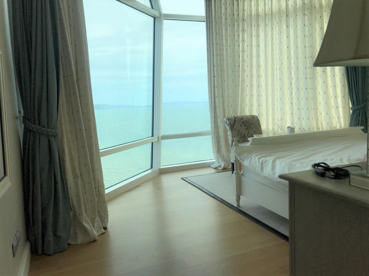 Agent - Pattaya Investment Agency's Reflection Jomtien good deal 3 bedroom 48 floor 3