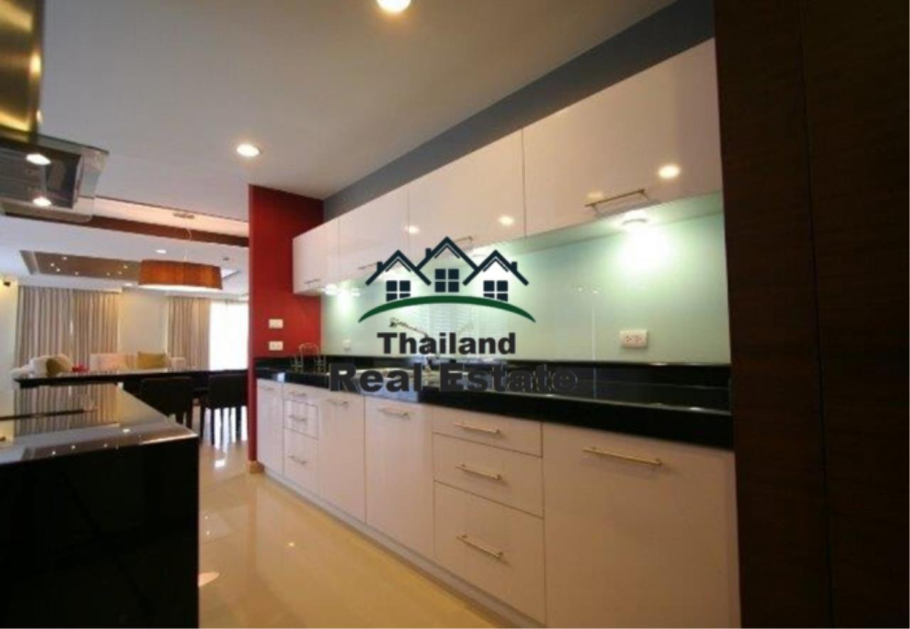 Thailand Real Estate Agency's 4 Bedroom Condo at The Rise Sukhumvit 39 near BTS Phrom Phong  (12627) 6