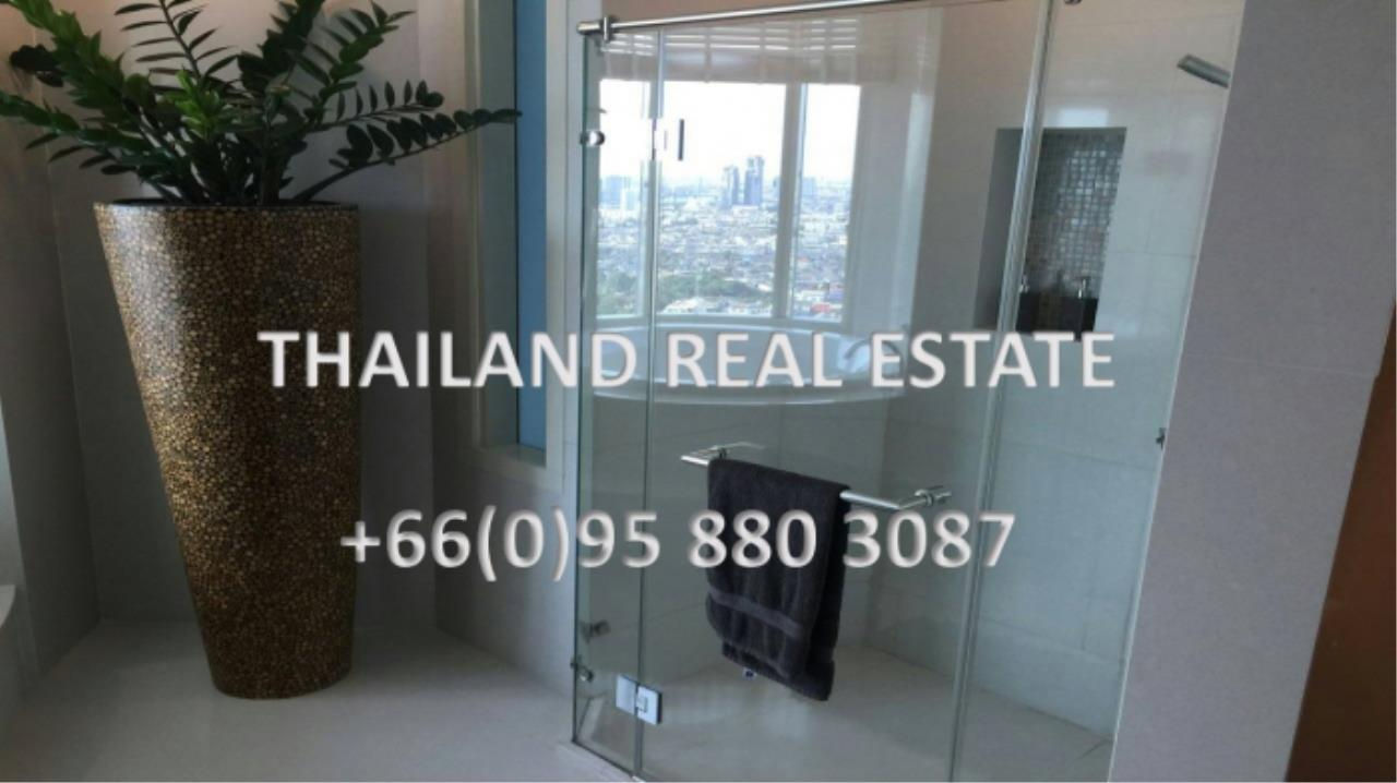 Thailand Real Estate Agency's 4 Bedroom Condo at Watermark Chaophraya near BTS Saphan Taksin (12629) 2