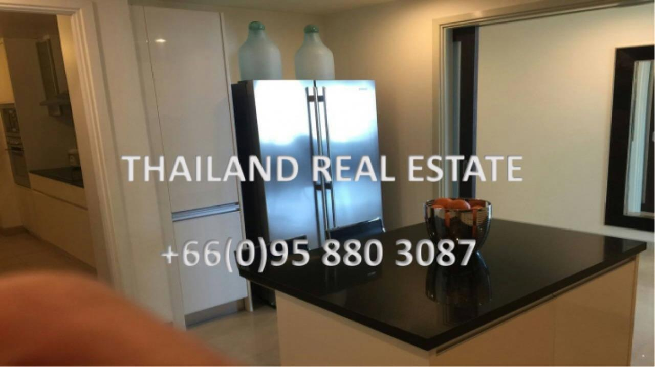 Thailand Real Estate Agency's 4 Bedroom Condo at Watermark Chaophraya near BTS Saphan Taksin (12629) 10