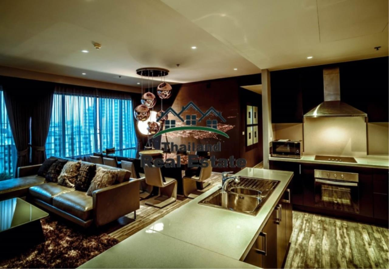 Thailand Real Estate Agency's 3 Bedroom Condo at Emporio Place near BTS Phrom Phong (12630) 4