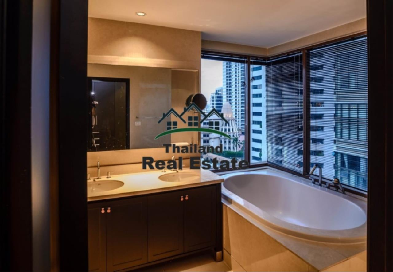 Thailand Real Estate Agency's 3 Bedroom Condo at Emporio Place near BTS Phrom Phong (12630) 12
