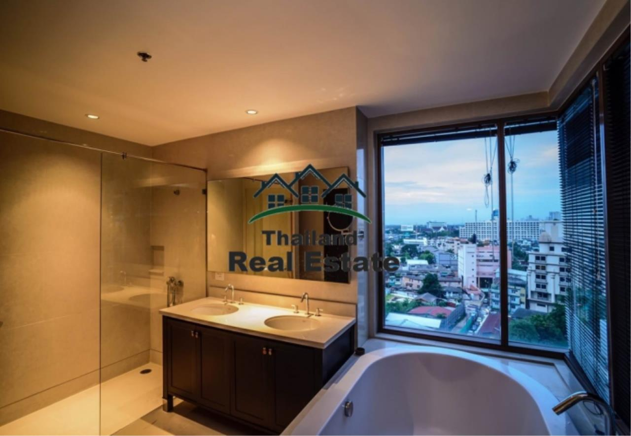 Thailand Real Estate Agency's 3 Bedroom Condo at Emporio Place near BTS Phrom Phong (12630) 14