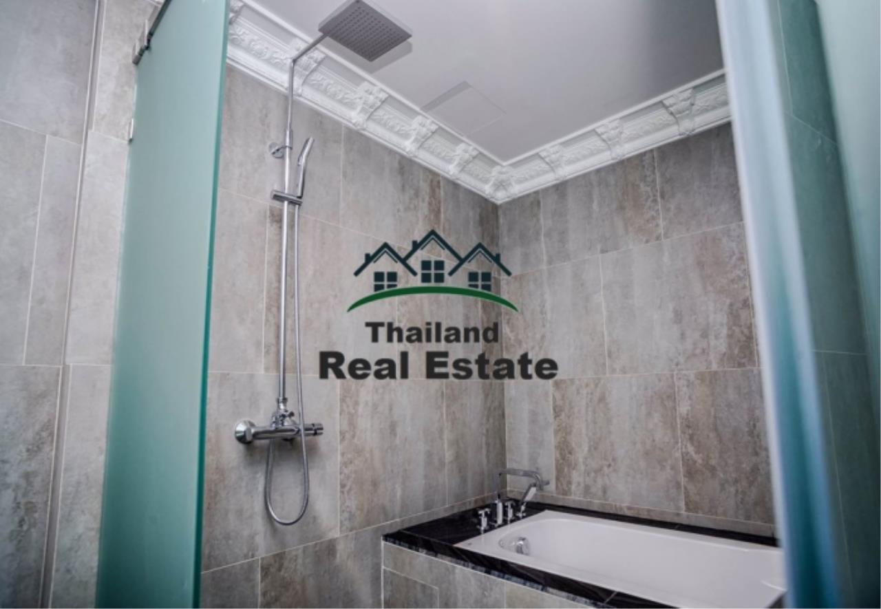 Thailand Real Estate Agency's 3 Bedroom Condo at Lumpini 24 near Phrom Phong BTS(Reference 12646) 8