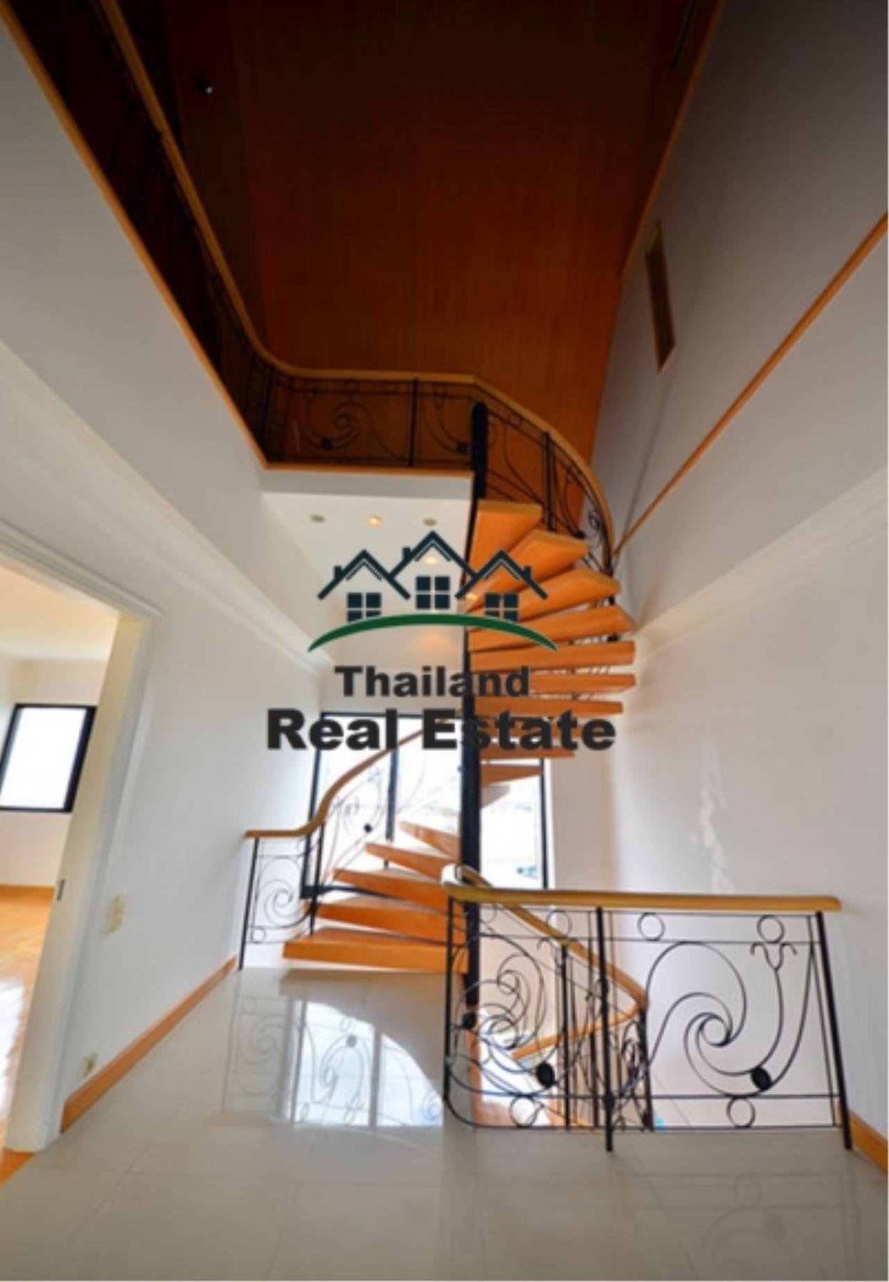 Thailand Real Estate Agency's 5 Bedroom Penthouse at Saichol near BTS Saphan Taksin(12693) 2