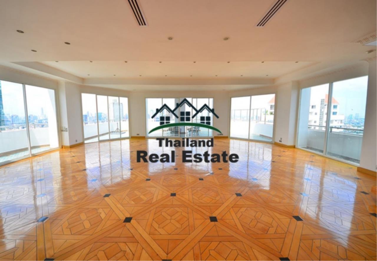 Thailand Real Estate Agency's 5 Bedroom Penthouse at Saichol near BTS Saphan Taksin(12693) 3