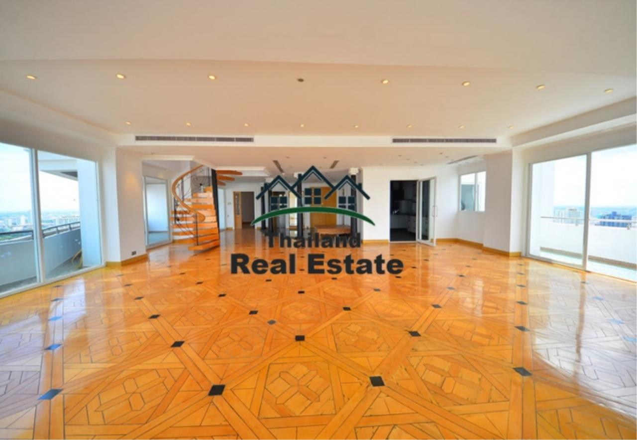 Thailand Real Estate Agency's 5 Bedroom Penthouse at Saichol near BTS Saphan Taksin(12693) 4