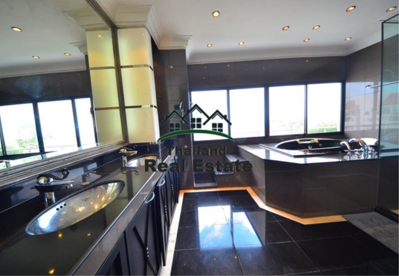 Thailand Real Estate Agency's 5 Bedroom Penthouse at Saichol near BTS Saphan Taksin(12693) 14