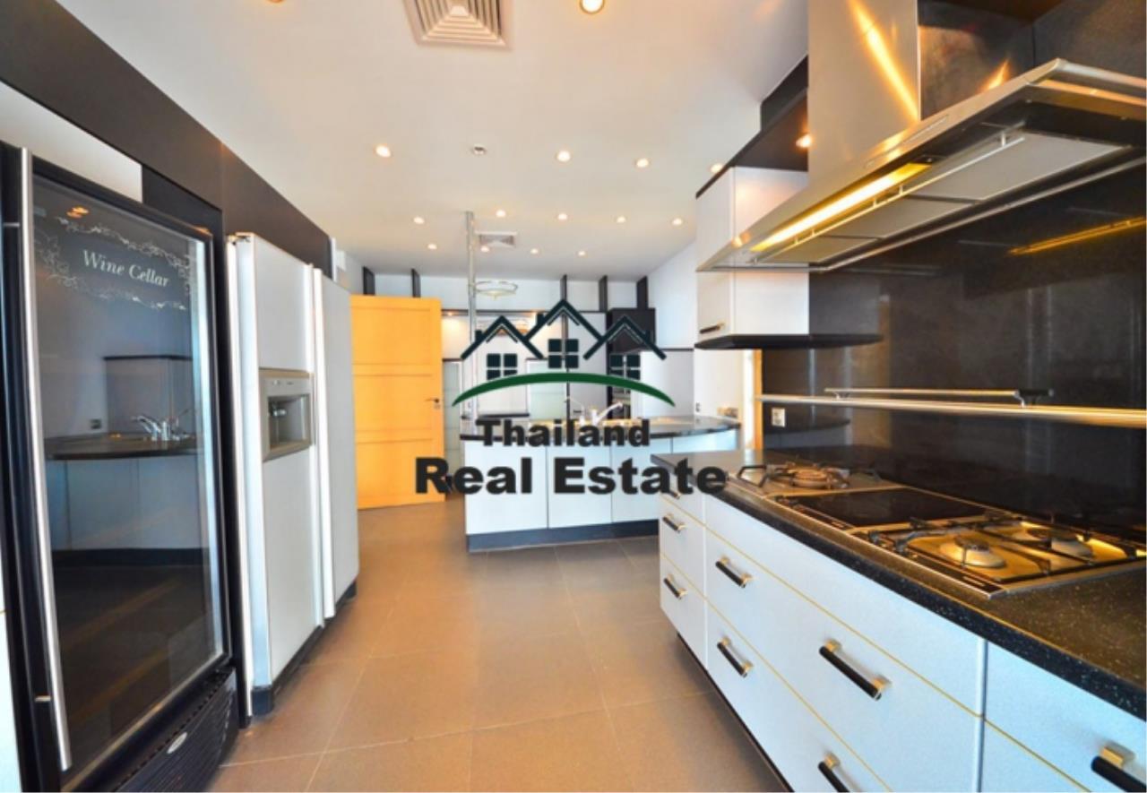 Thailand Real Estate Agency's 5 Bedroom Penthouse at Saichol near BTS Saphan Taksin(12693) 17