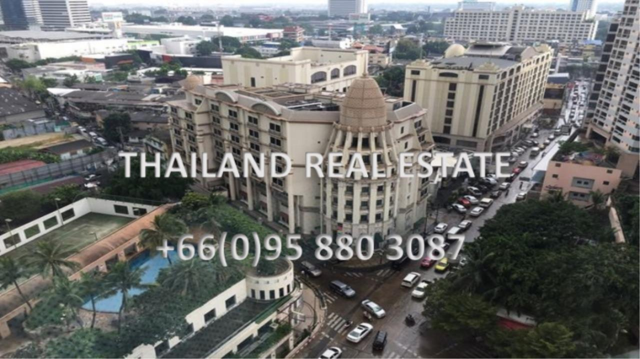 Thailand Real Estate Agency's 1 Bedroom Condo at Lumpini 24 near Phrom Phong BTS(12703) 3